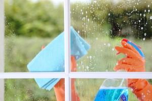 Fensterputz, Ihre HOMEHELP-Haushaltshilfe übernimmt das gerne für Sie